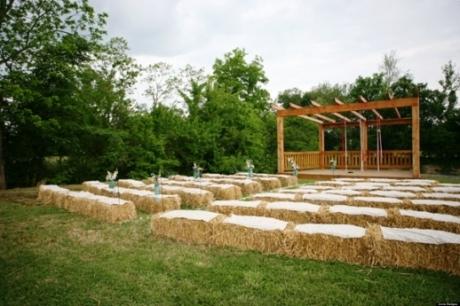 scaune nunta la ferma