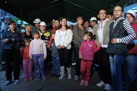 familiile minerilor din rosia montana