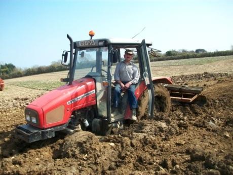 classic-tractor-magazine-mishap-05120_0