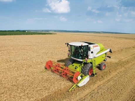 combina agricola Claas Avero 160 pret