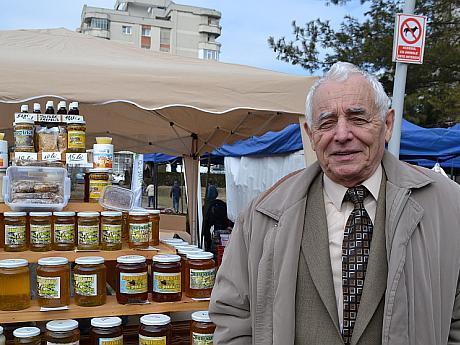 Profesorul Petre Iordache apicultura