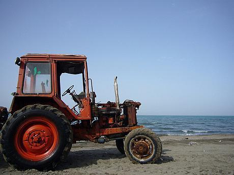 tractor Iran