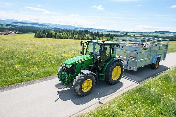 Tractor pentru ferma de animale