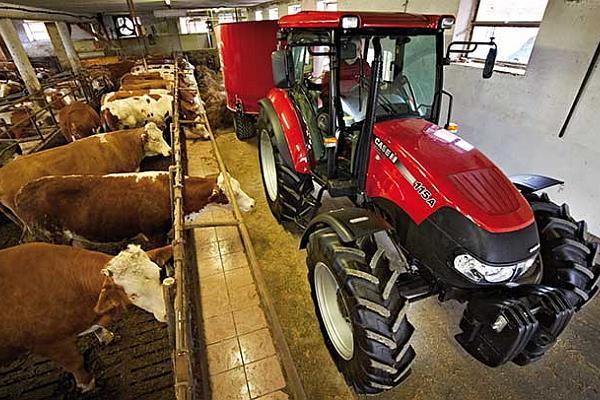 Tractor_Case_IH_Farmall_A_4