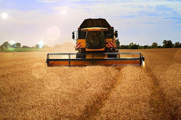 harvester-409133_640