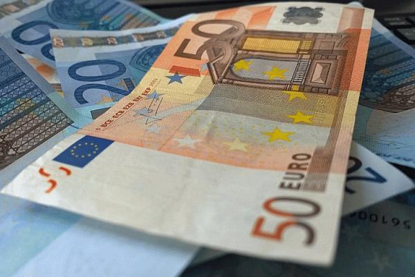 eurai-valiuta-pinigai-65613796