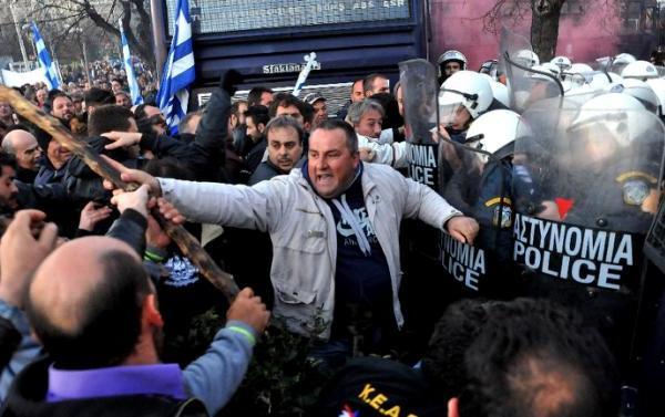 proteste fermieri greci