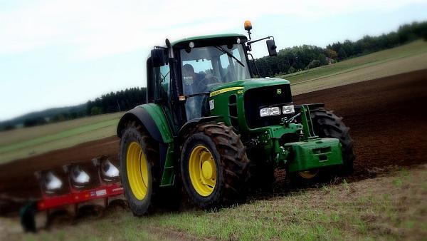 tractor john deere 120 cai putere