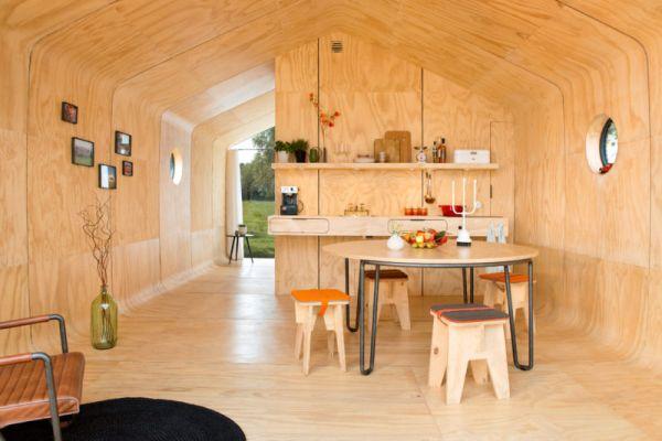 wnetrze-kartonowego-domu-wikkelhouse-800x541