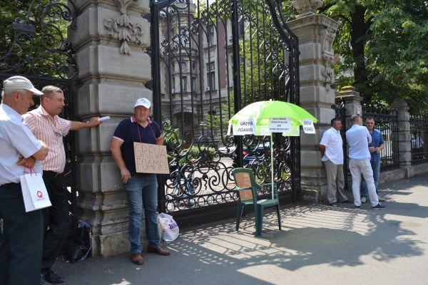 fermieri la protest in fata MADR