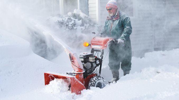 021515_snowblow_038-8419