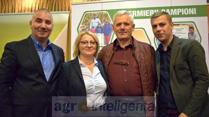 Jean Ionescu (Director General Operațiuni Pioneer), Maria Cîrjă (Director Marketing Pioneer), Constantin Bazon (vicepreședinte LAPAR) și Teodor Cojocaru (Director Național Clineți Strategici Pioneer)