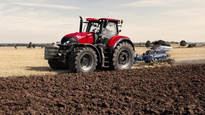 Tractorul CASE IH Optum CVX