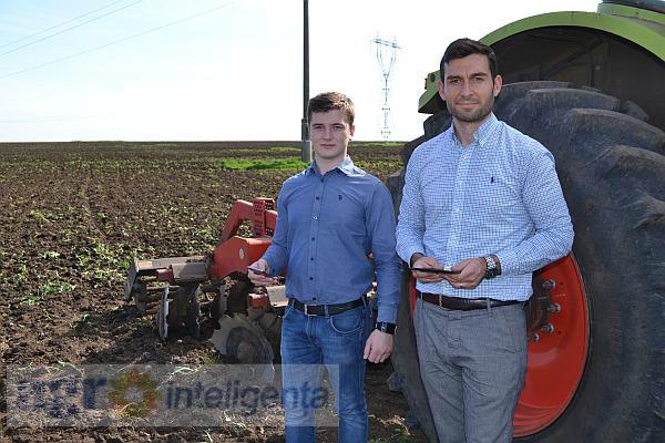 Mihai și Ștefan Stănescu au identificat terenurile cu probleme folosind aplicația AgriSo