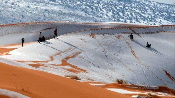 Imagini pentru imagini cu zapada din sahara