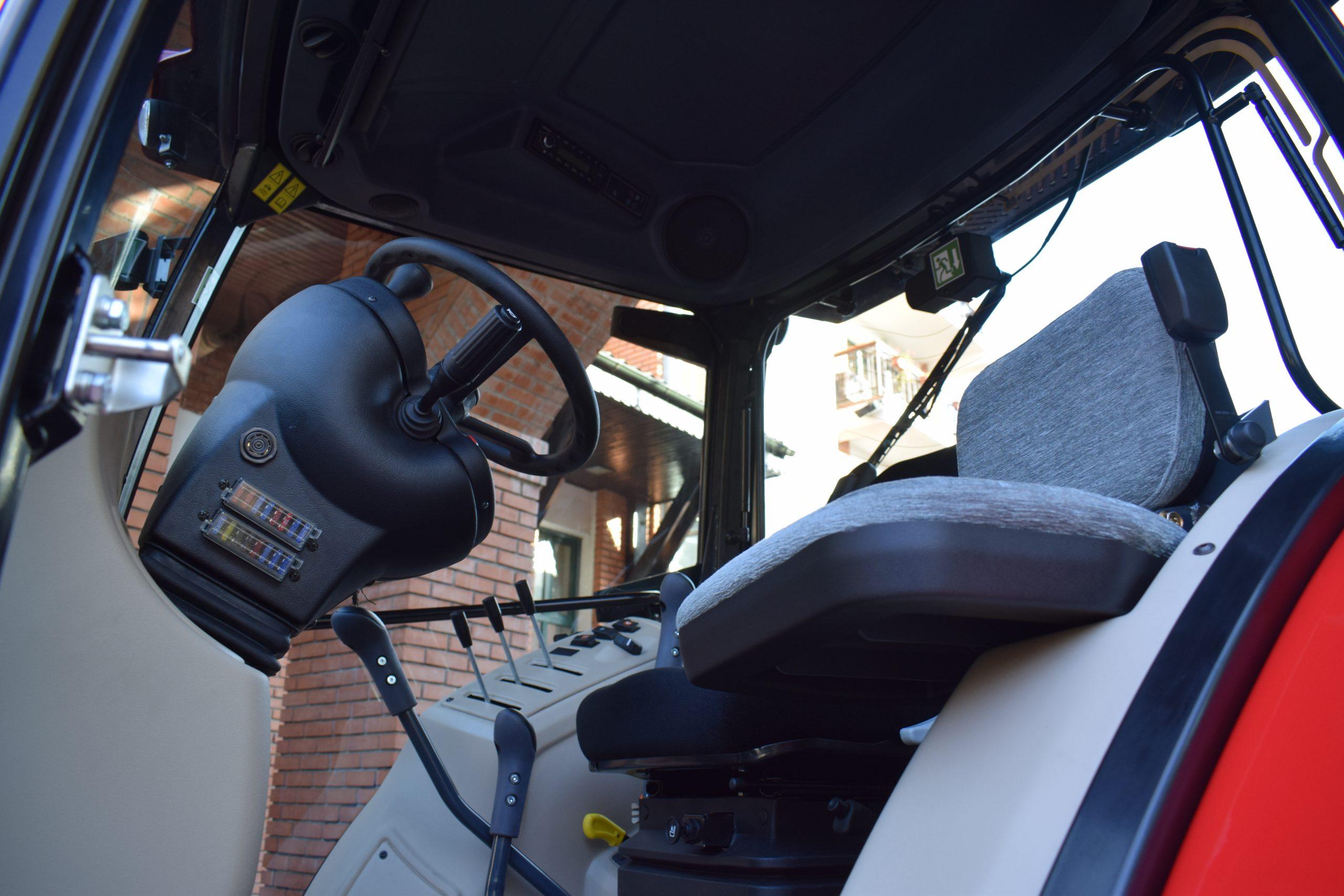 Tractor romanesc Tagro Irum cabina