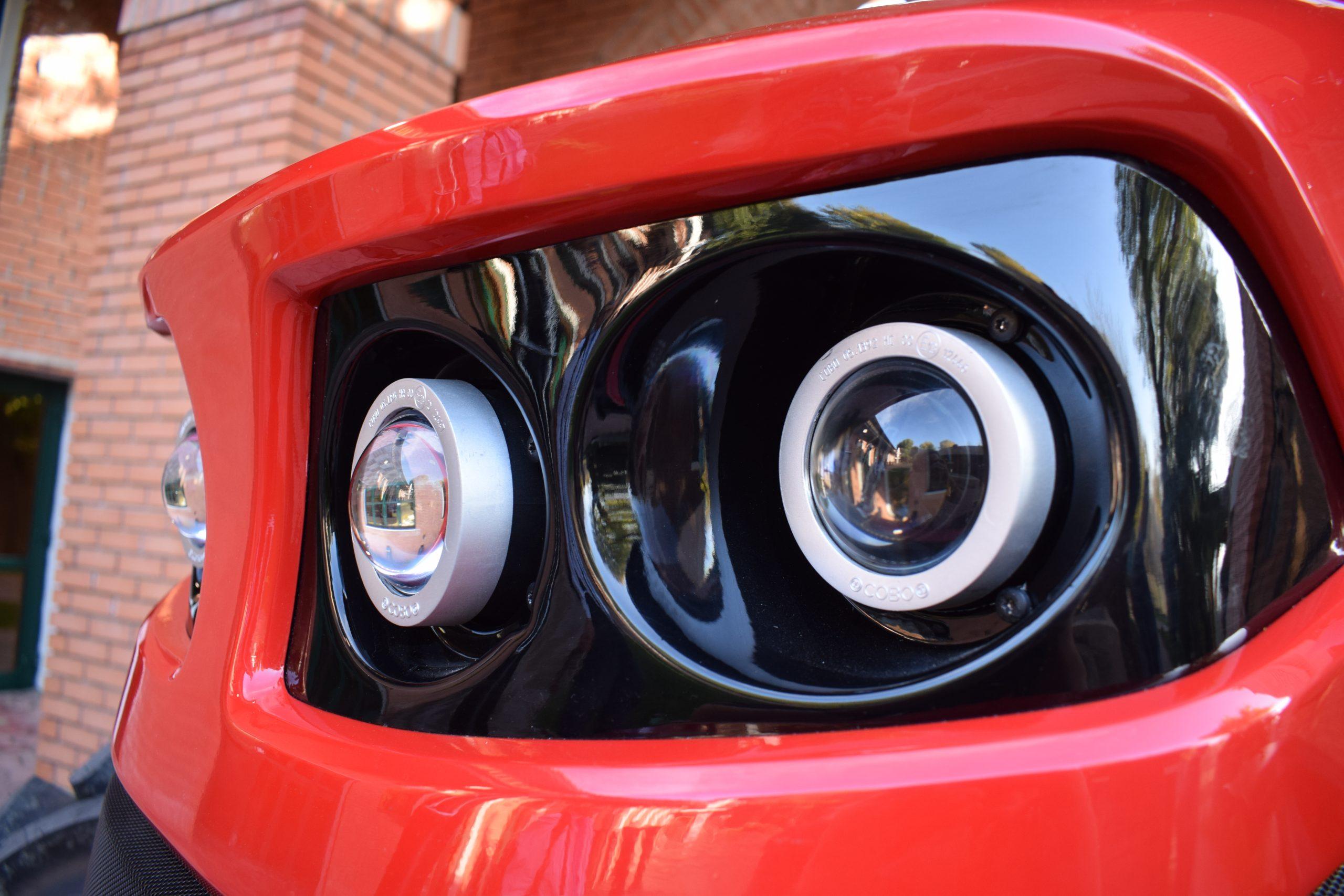 Tractor romanesc Tagro Irum lumini
