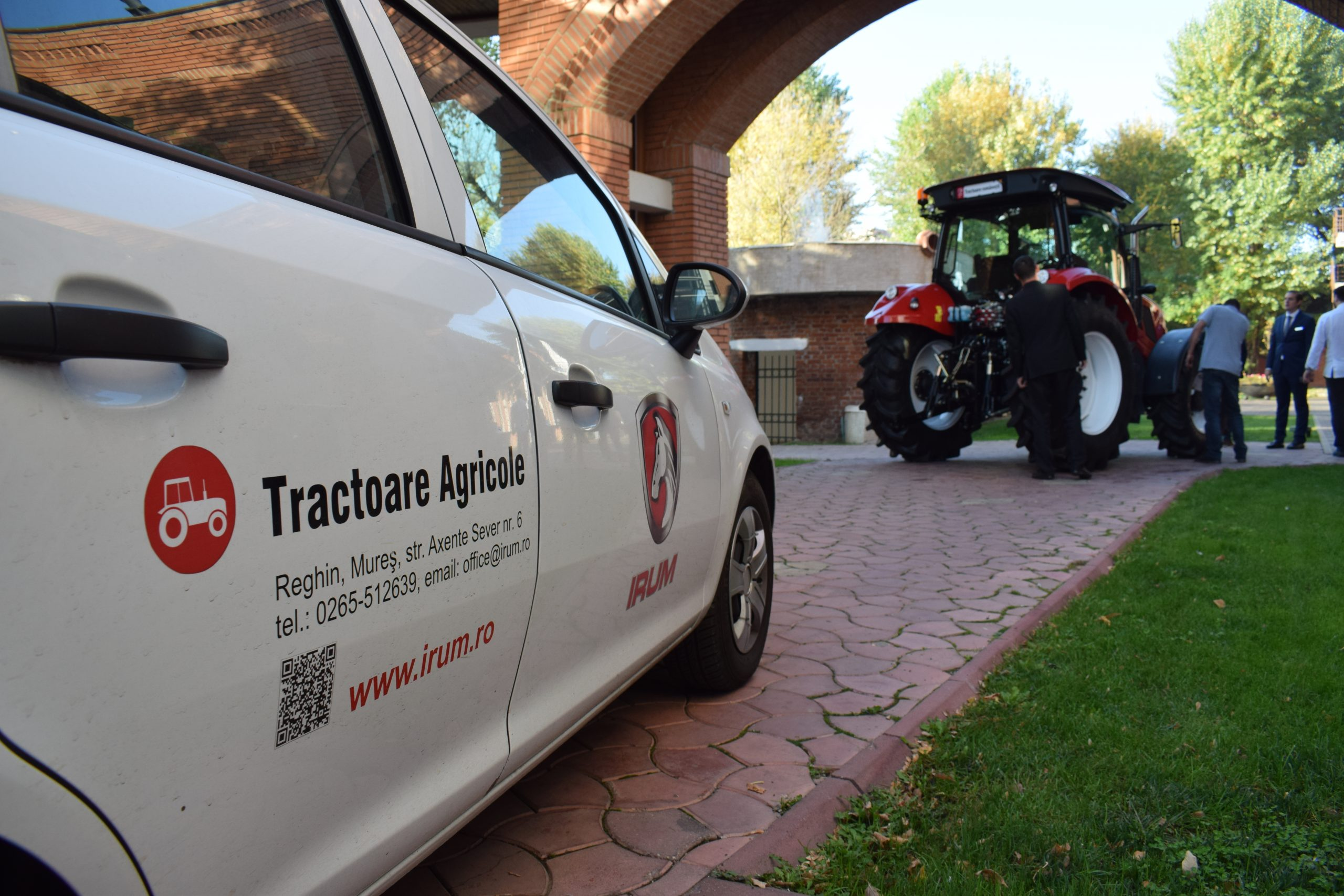 Tractor romanesc Tagro Irum spate