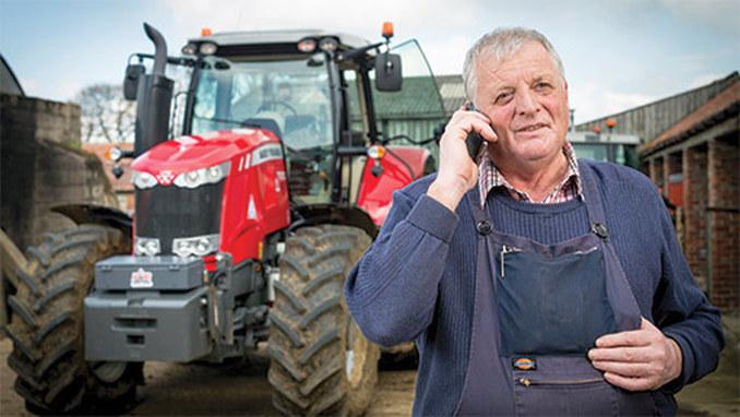 Fermier vorbind la telefon