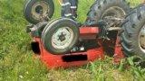 Un bărbat de 43 de ani a murit strivit de tractorul pe care îl conducea!