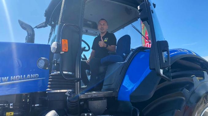 marius-catalin-bran-tractor-t8-genesis